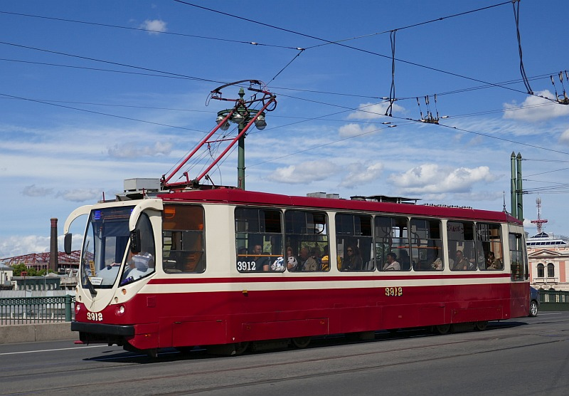 サンクトペテルブルクの公共交通機関