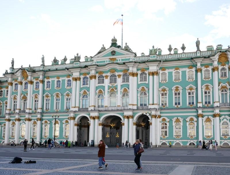 サンクトペテルブルクの観光名所エルミタージュ美術館