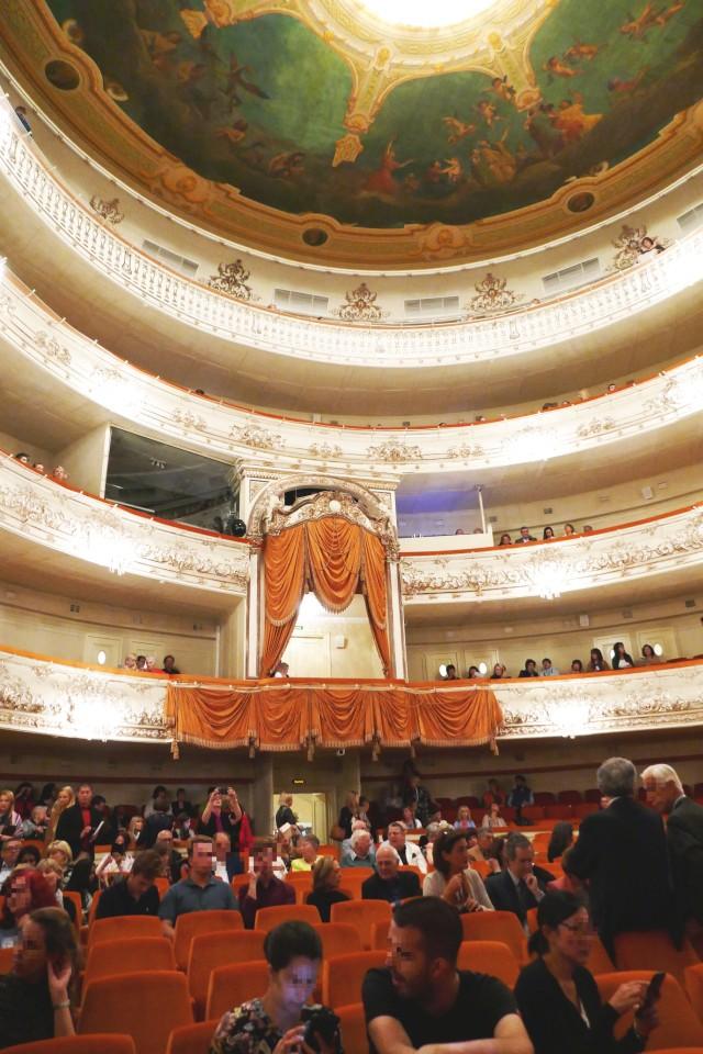 サンクトペテルブルク、ミハイロフスキー劇場の内観